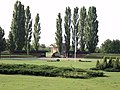 Ulaz u spomen-kompleks Sremski front.jpg