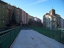 Vítkovská trať, cyklostezka, most přes Husitskou ulici, směr Řehořova.jpg