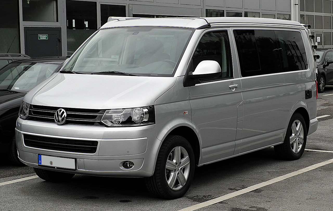 File:VW California Europe 2.0 TDI (T5, Facelift) – Frontansicht, 30. Juli 2011, Mettmann.jpg ...