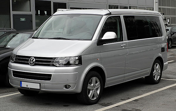 https://upload.wikimedia.org/wikipedia/commons/thumb/b/bd/VW_California_Europe_2.0_TDI_%28T5%2C_Facelift%29_%E2%80%93_Frontansicht%2C_30._Juli_2011%2C_Mettmann.jpg/600px-VW_California_Europe_2.0_TDI_%28T5%2C_Facelift%29_%E2%80%93_Frontansicht%2C_30._Juli_2011%2C_Mettmann.jpg