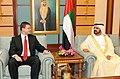 Valdis Dombrovskis tiekas ar AAE premjeru Mohamedu bin Rašidu Almaktūmu (6975392213).jpg