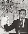 Vanmiddag heeft prof. dr. David A. Jokinen zijn boek Geef de stad een kans nad, Bestanddeelnr 093-0712.jpg