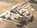 Voor- en zijgevels (twee boerderijen). Luchtfoto Holland nr. 2048-46. - De Glind - 20481246 - RCE.jpg