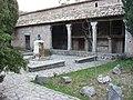 Vorhof des Klosters Lluc, Mallorca - panoramio.jpg