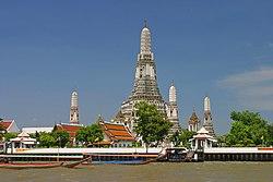 Wat Arun from Chao Phraya River.jpg