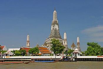 Wat Arun desde el río Chao Phraya