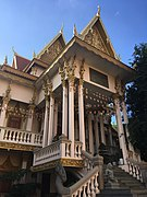 Wat Langka Phnom Penh.jpg