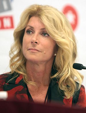 Wendy Davis (politician) - Image: Wendy Davis by Gage Skidmore