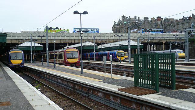 Estación de Edimburgo-Waverley