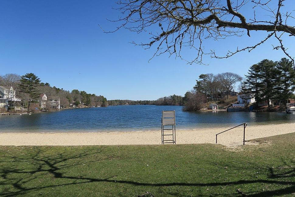 White Island Pond