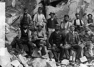 Workers at Cae'r Nant quarry, Llithfaen