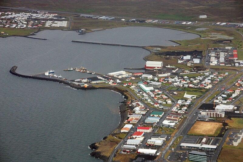 File:Ytri-Njarðvík, Reykjanesbaer, Iceland.jpg