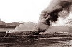 Zažig katrana v jamah poleg keramične tovarne v Libojah 1961 (2).jpg