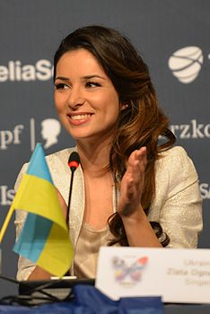 Zlata Ohnevytj, ESC2013 press conference 05.jpg