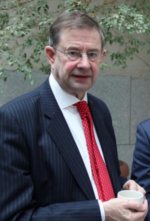 Fianna Fáil leadership election, 2011 - Image: Éamon Ó Cuív clutching a cup