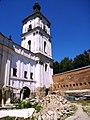 Костел Діви Марії з келіями станом на липень 2008 року.JPG