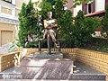 Памятник Булгакову на Андреевском спуске - panoramio.jpg