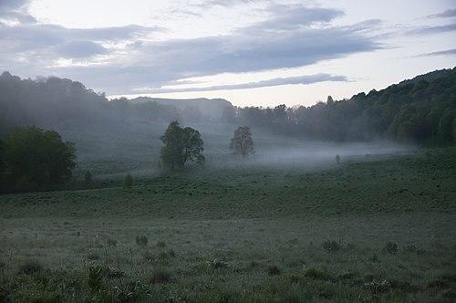 Рассвет в долине реки Ходзь, туман, Западный Кавказ.jpg