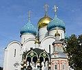 Свято-Троицкая Сергиева лавра Собор и часовня Облака.jpg