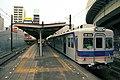 南海電鉄 汐見橋駅ホームと2202F.jpg