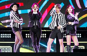 f(x) performing at Jeju K-pop Festival in October 2015 From left to right: Victoria, Krystal, Amber, and Luna