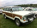 1986 Jeep Grand Wagoneer white-a Mason-Dixon Dragway 2014.jpg