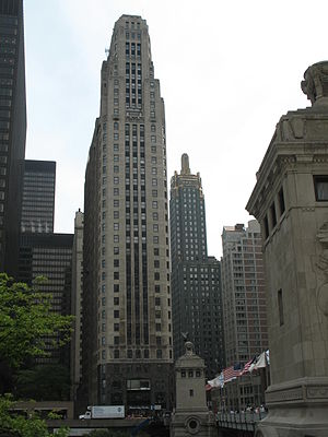 333 North Michigan - Image: 20070530 333 North Michigan and Carbide & Carbon Building