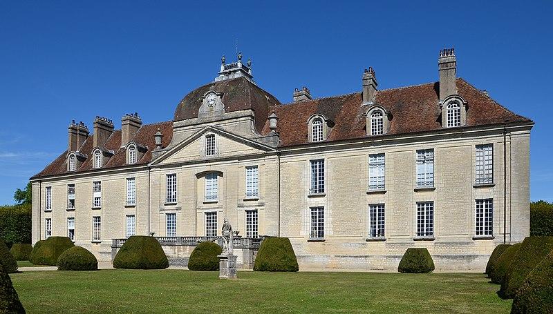 2012 10248 Chateau de Fontaine-Française.jpg