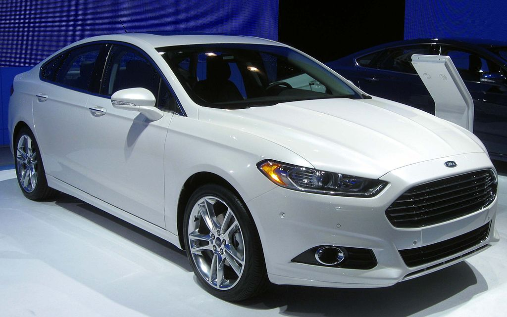 Dosnt The New Ford Fusion Look Like A Massive Knock Of Of Jaguar Aston Martin Front Ends Non Ski Gabber Newschoolers Com