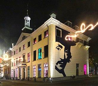 City Hall, Kampen - Image: 20151027 Gevelportret Jan Beeldsnijder door Henk Nyenhuis museum Kampen