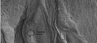 Arcadia Planitia - Image: 26420gulliesclose