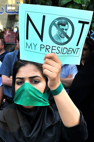 2009 Iranian presidential election - A reformist protester holding a placard