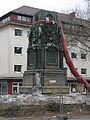 Abbau des Siegesdenkmals in Freiburg 2.jpg