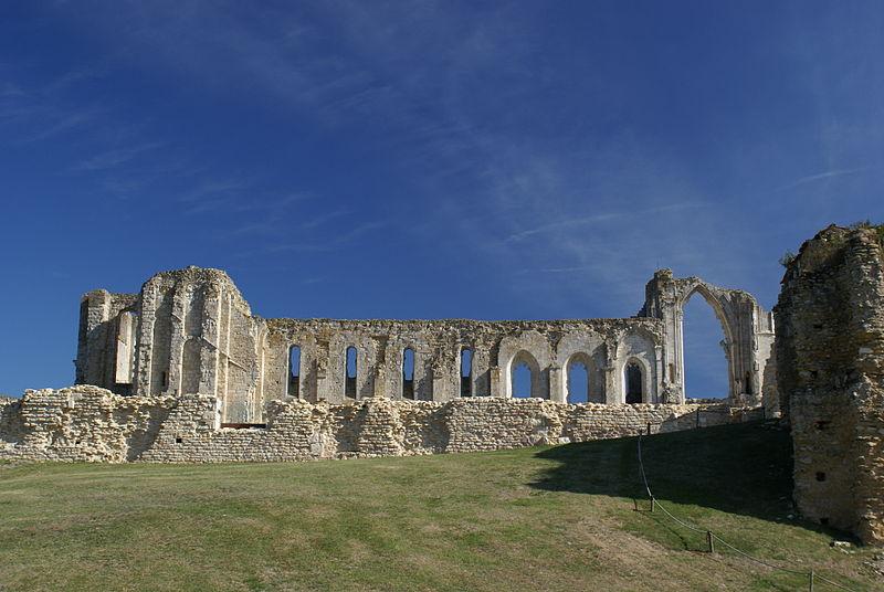 File:Abbaye de Maillezais.jpg