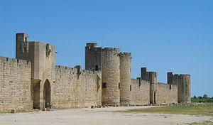 Bastide - Aigues-Mortes Walls