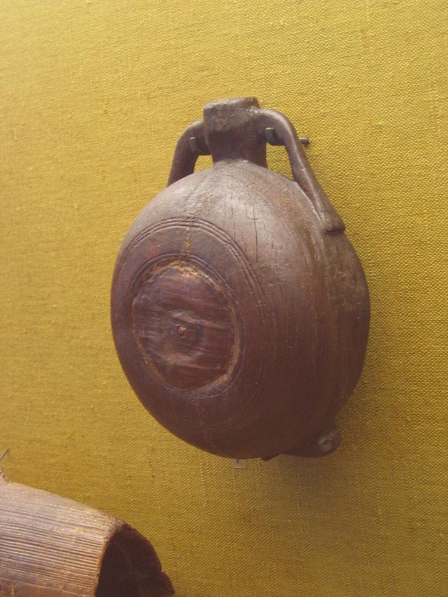 2003027bce8 Dřevěné čutory – tento typ známe hlavně z kontinentálního prostředí   dřevěné čutory byly nalezeny v merovejském hrobu z Kolína nad Rýnem
