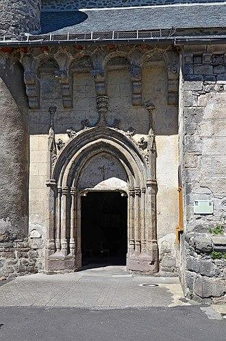 Allanche - Image: Allanche Eglise St Jean Baptiste dpt Cantal DSC 0587