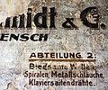 Alte Wandbeschriftung in einer Fabrikeinfahrt, Berlin-Wedding, Bild 2.jpg