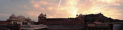 Amer Fort dusk panorama.jpg