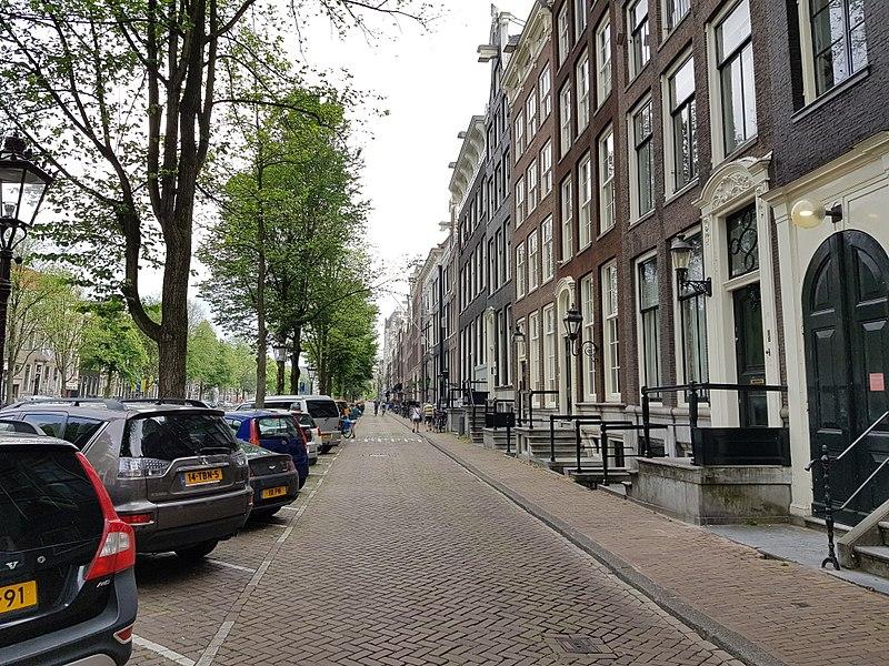 Около 15 000 человек вышли на демонстрацию в Амстердаме, протестуя против жилищного кризиса