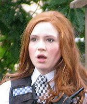 Karen Gillan, interprète d'Amy Pond adulte.