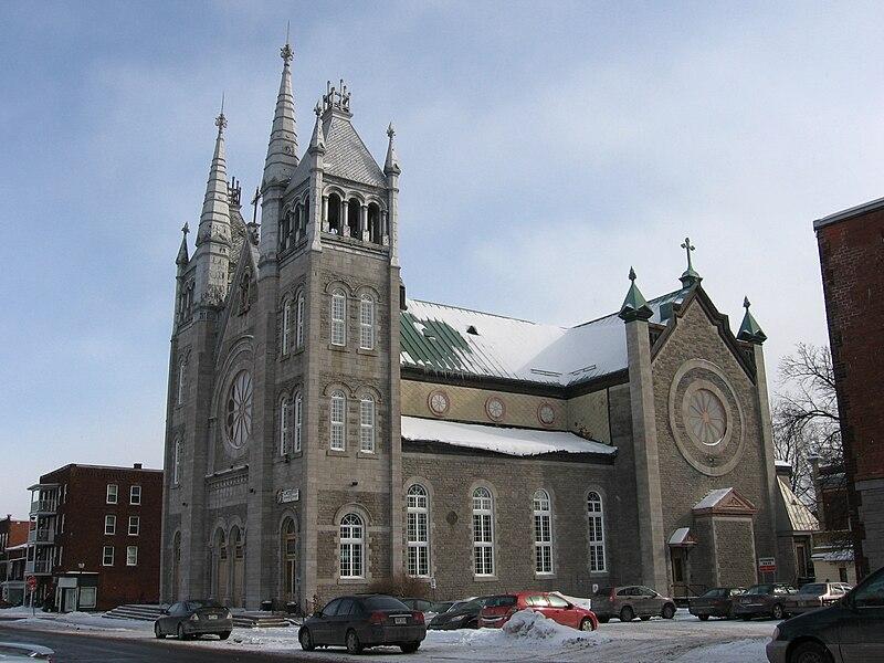 File:Ancienne église Saint-Bernard à Shawinigan.jpg