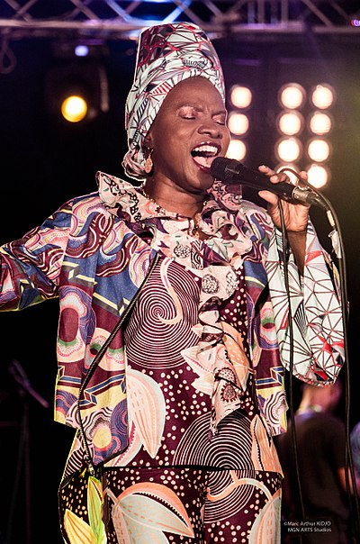 Picture of a band or musician: Angélique Kidjo