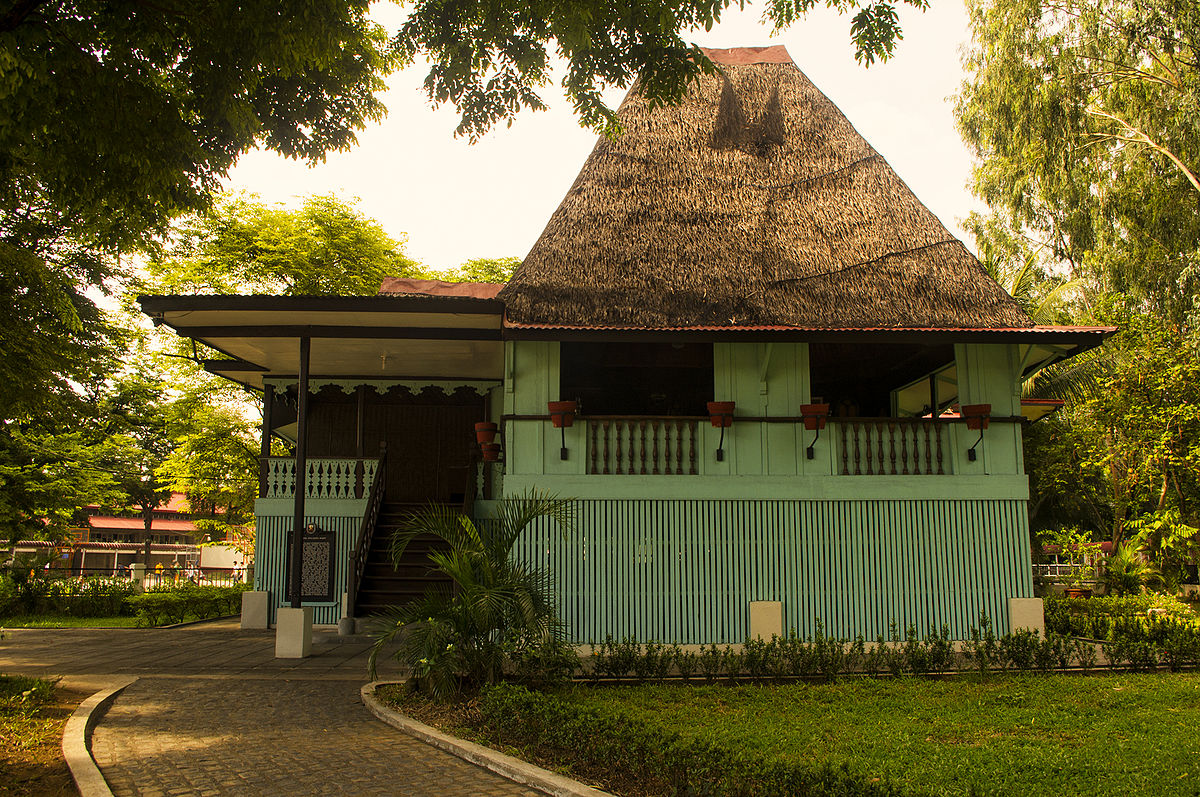 Nipa hut wikipedia for Up and down house design in the philippines
