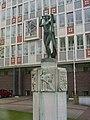 Arnhem, Tivolilaan, sculptuur 'Roosje', Hildo Krop.jpg