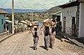 Atitlan Guatemala 1980 - Tres Mujeres Mayas.jpg