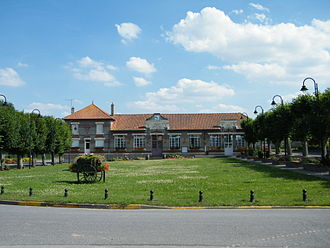 Aubigny, Somme - town hall and school