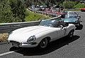 Auffahrt zur Diga del Vajont, Jaguar E-Type Roadster (series I).jpg
