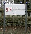 Bad Honnef-Lohfeld Lohfelder Straße 128 Uhlhof Schild GIZ.jpg