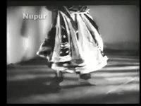 File:Badi Maa (1945).webm